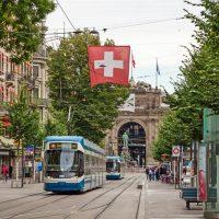 zuerich-bahnhofstrasse-tram